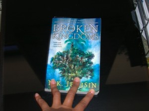 THE BROKEN KINGDOMS, I haz it!